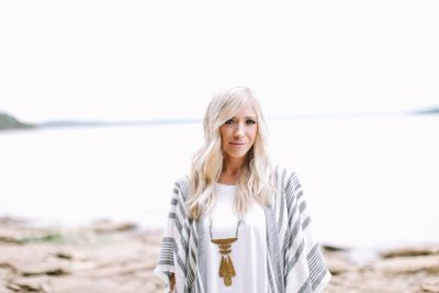 Ellie Holcomb